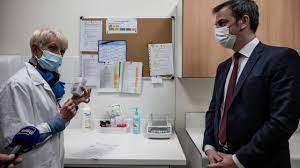 France begins first medical marijuana trial